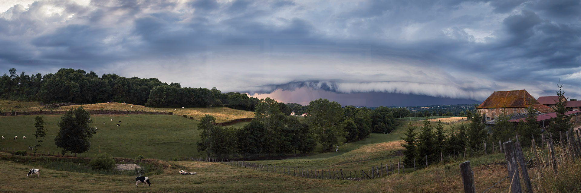 Panoramique-arcus-en-Isère-28-juin-2017.jpg