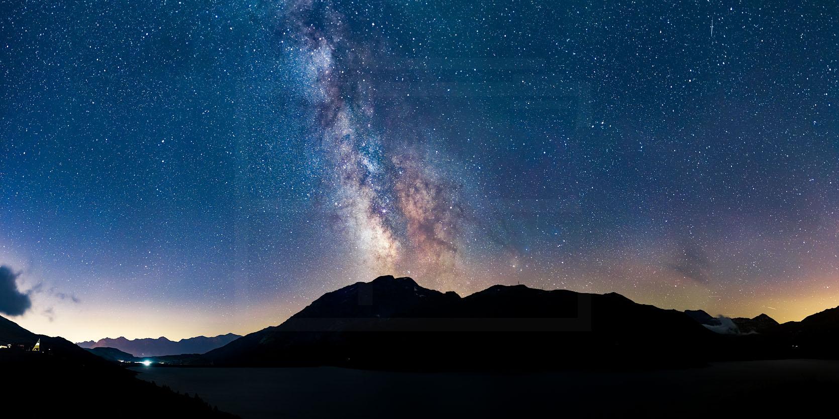 Voie-lactée-au-lac-du-Mont-Cenis-Savoie-pano.jpg