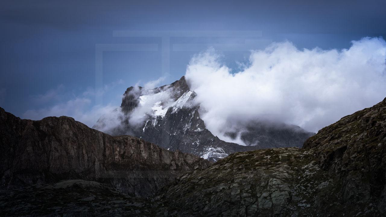 La montagne enfumée